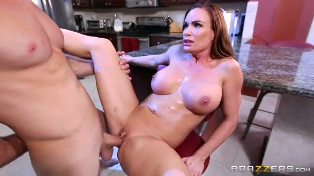 Olivia Austin Horny Cougar