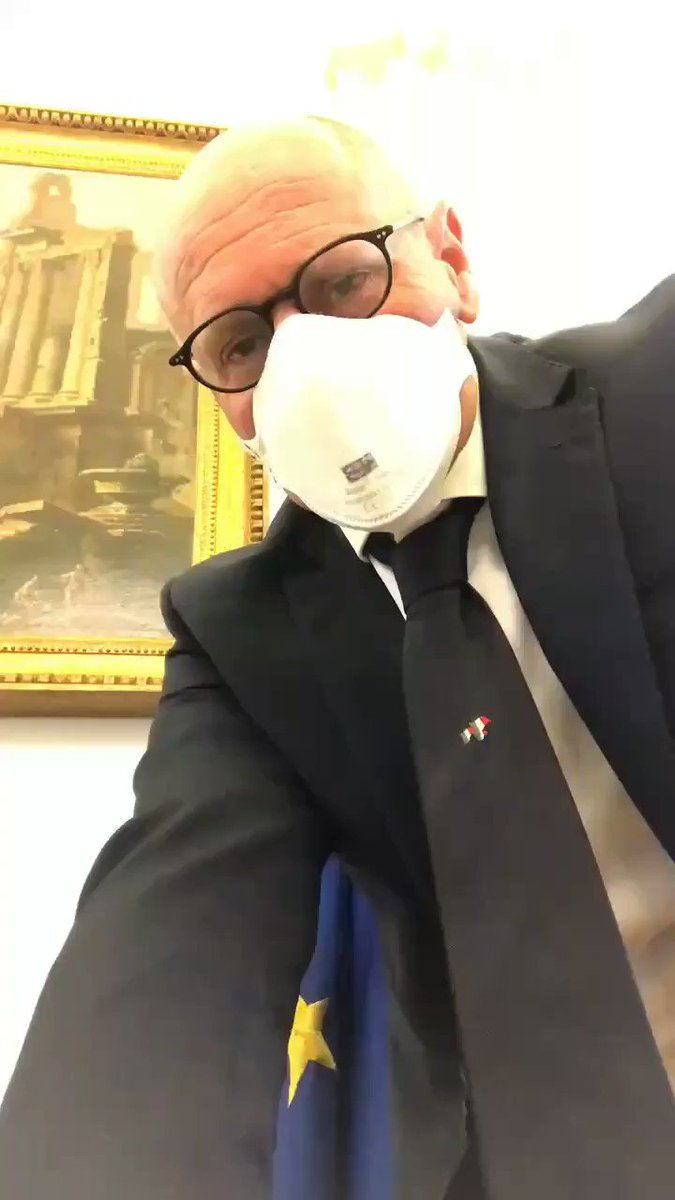 #Italy: the vice president of the Italian Chamber of Deputies (lower house of parliament) @fabiorampelli takes down the EU flag from his office and replaces it with the flag of   Italians are furious that the EU has done nothing to help them during the coronavirus outbreak.pic.twitter.com/kqOyL0kLGU
