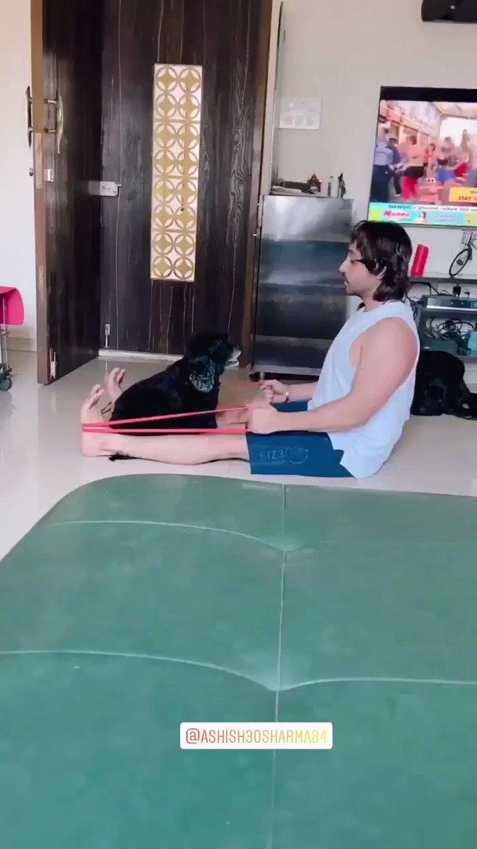 #Repost @ashish30sharma84 #insta #story #ashishsharma home workouts 2pic.twitter.com/ZD88Hp6z7W