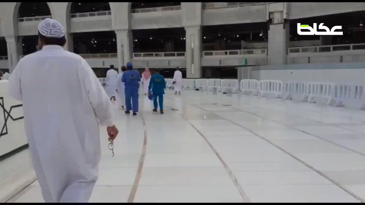#VIDEO: Number of #Saudi citizens and expatriates performing circumambulation (tawaf) around Holy Kaaba at Grand Mosque in Makkah on Wednesday after authorities allowed the performance by 50 people in each batch as part of precautionary measures to stem the spread of #coronaviruspic.twitter.com/jFduA9B07Z