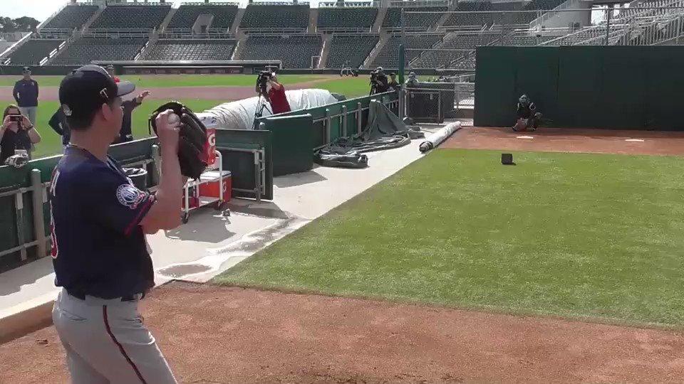 開幕が延期になり野球ロスの方へ!キャンプ1回目のブルペンの映像🎥#ピッチング#まだばらつきがある
