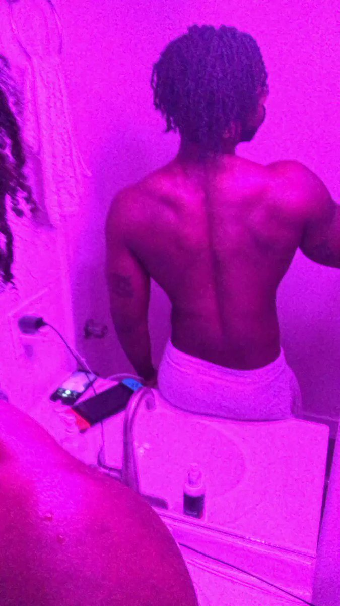 Atleast my back is staying snatchedish, 😩! #gaymuscle #musclegay #fitness #towel #pink