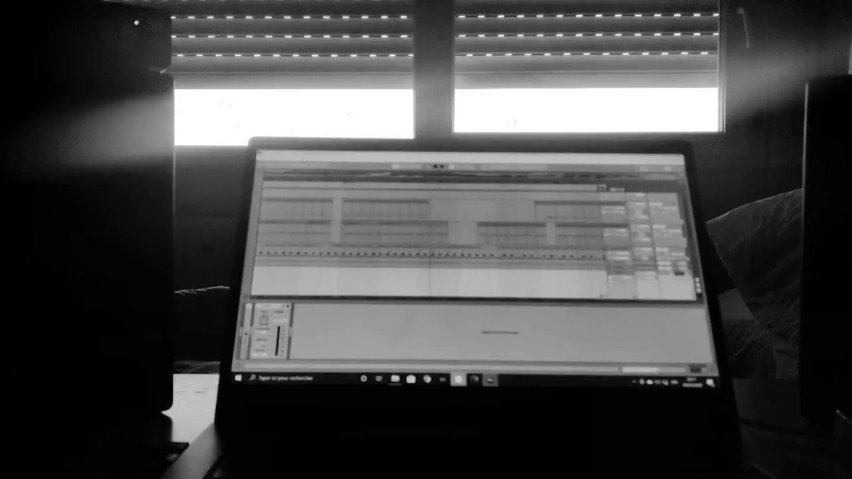 Meanwhile...   #outsoon #ableton #producer #techno #melodic #mao #confinement #Productivitypic.twitter.com/OkrW8Qs3KN