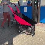 """農業などで使われる""""ねこ""""がポーランドでは…?スピードの出る乗り物になっていた!"""