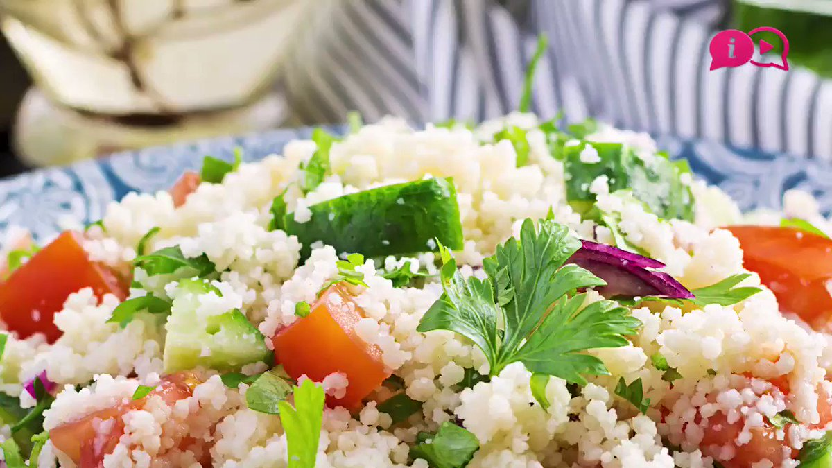 An Easy Recipe that You Can Prepare in 20 Minutes.    #kitchenquarantina #stayhome #tabbouleh #lebanon #tabouli #tabouleh #tabbule #middleeast #gastronomy #cuisine #bulgur #parsley #lemon #coronapic.twitter.com/mdADWdzxQ0