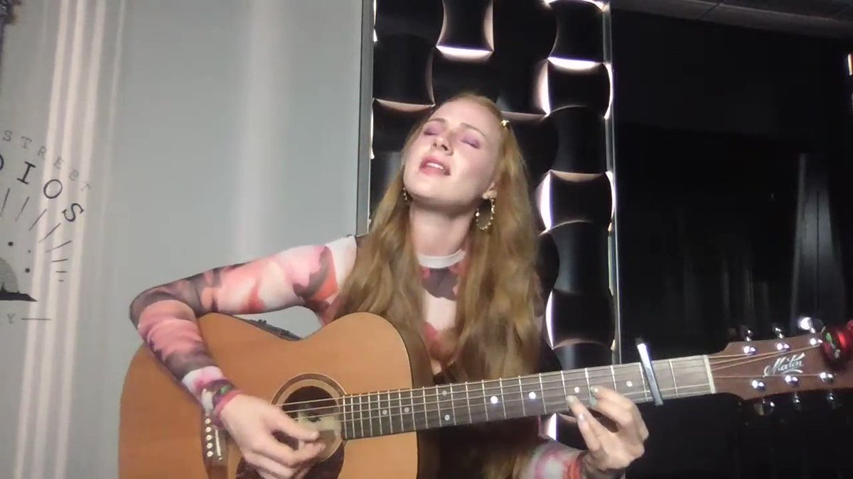 The lovely @VeraBlueMusic closing out todays Fools Gold Stage for #lockdownlive 🤍 Back tomorrow from 5pm, https://t.co/4x9T0GARzz for details ⚡️ https://t.co/b4MGocVthH