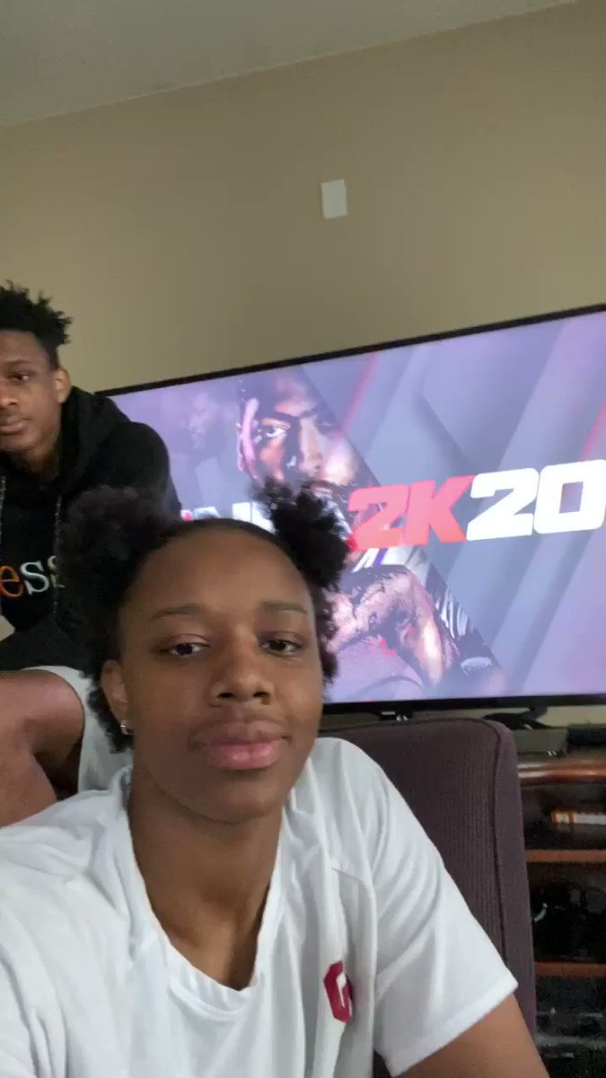 Hey @NBA, @LizzScott3 wants in on the 2k tournament!pic.twitter.com/lCUyesjpyf