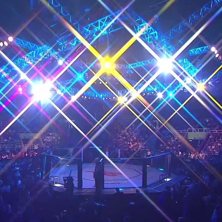 Ben Rothwell caminhou confiante para sua luta no #UFCSP de 2013, mas o resultado com certeza não foi agradável para o peso pesado.  Relembre como foi no @canalCombate! #EmCasacomUFC #HomeWithUFC https://t.co/C80KcAqkPd