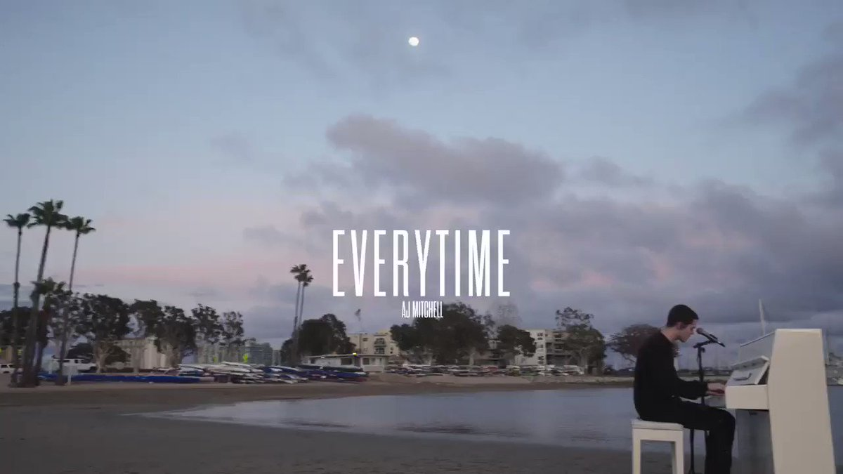 everytime by @britneyspears - full version on @Vevo https://t.co/rii9soJ13k https://t.co/foXAZ9XHh7