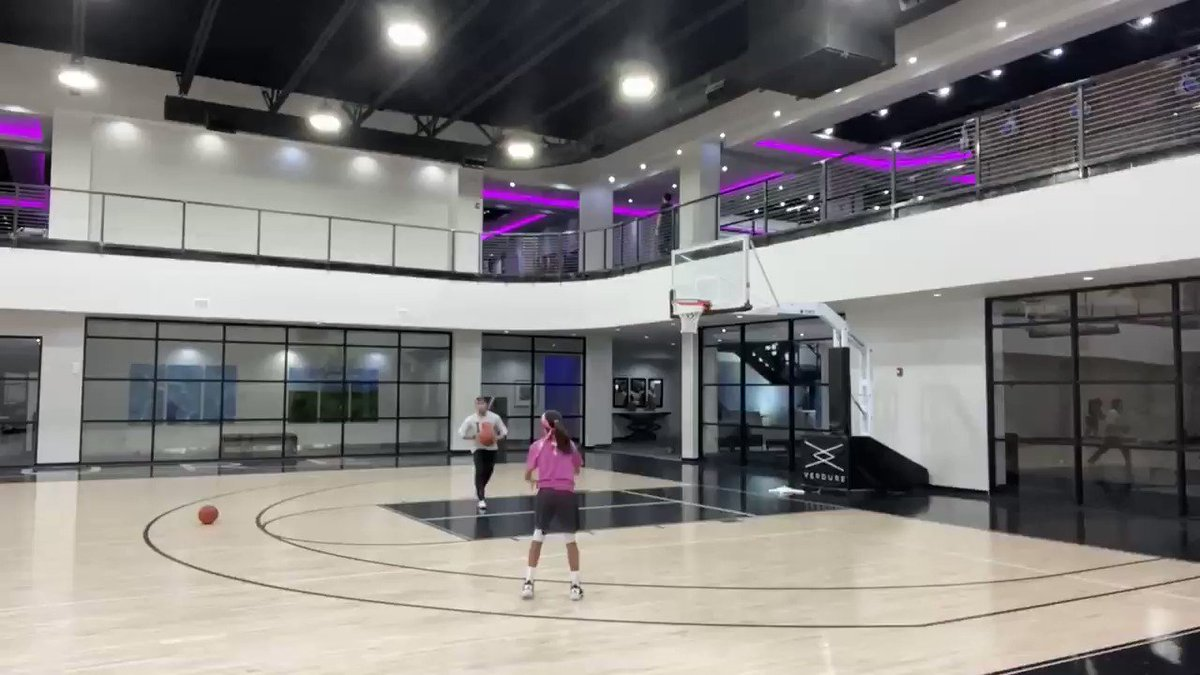 Shooting 3's off the set, drift, lift, and transition!!! Can't wait to get back in the gym!  #basketballtraining #basketball @Sh3gotgame1pic.twitter.com/p5VdSKS4mj