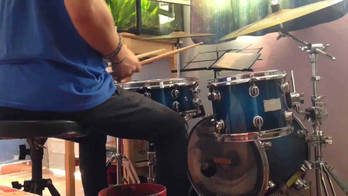 Cobeat-19/8  #groove 19/8 #CuarentenaNacional #bateristas #Drumcam #drumming #SomosMexico #drummer #drummersofinstagram #cuarentena #bateria #music #musica pic.twitter.com/ZTgijzKZL8