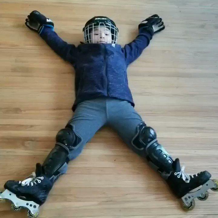 Ready for a skate #HomeSchool #PhysicalEducation #Skate #Rollerblade #Bauer pic.twitter.com/tJWw9dg6j4