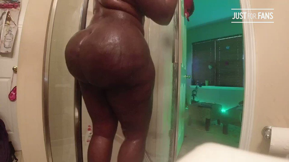RT @MissPatraVON: Wholeeeeee Lotta ass to start out your Monday...  See this and more at: https://t.co/G9p8PFigpp https://t.co/XmQqQLysGh