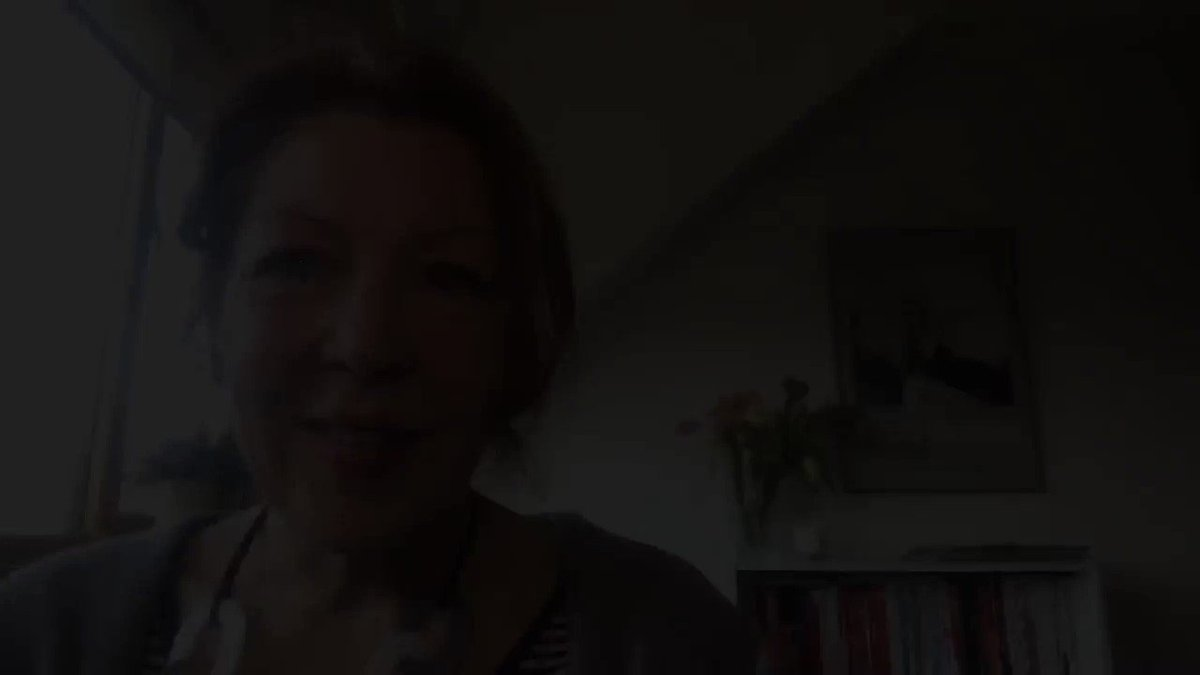 Wednesday's On Brand Bitesize - 2 minutes to keep you (& me!) focused & positive    Books, books, books   Please share your favourites. Some of mine are here: https://www.deborahogden.com/books-that-have-inspired-and-made-an-impact/ …  #personalbranding #personalbrand #impact #visibility #profile #expert #identity #growthpic.twitter.com/OYkGMmtYyl