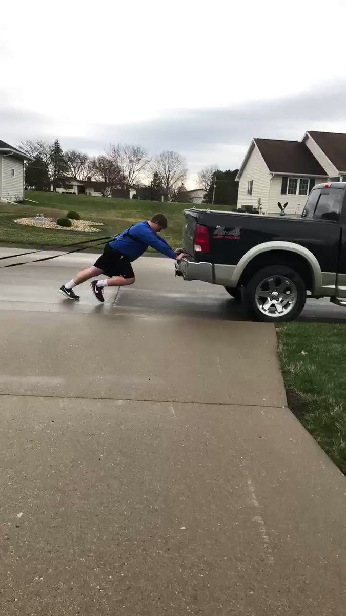 The truck just wasn't quite enough....Stay tuned to see me push/pull bigger and heavier things #GainSZN #OurWay #SLEDGE @UIUStrength @Upper_Iowa_FBpic.twitter.com/69k7JBumXT