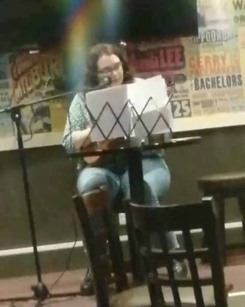 Happier times, when the pubs were open and I could get tipsy and sing my little heart out 😂   #seaoflove #catpower #cover #ukulele #singer #acoustic