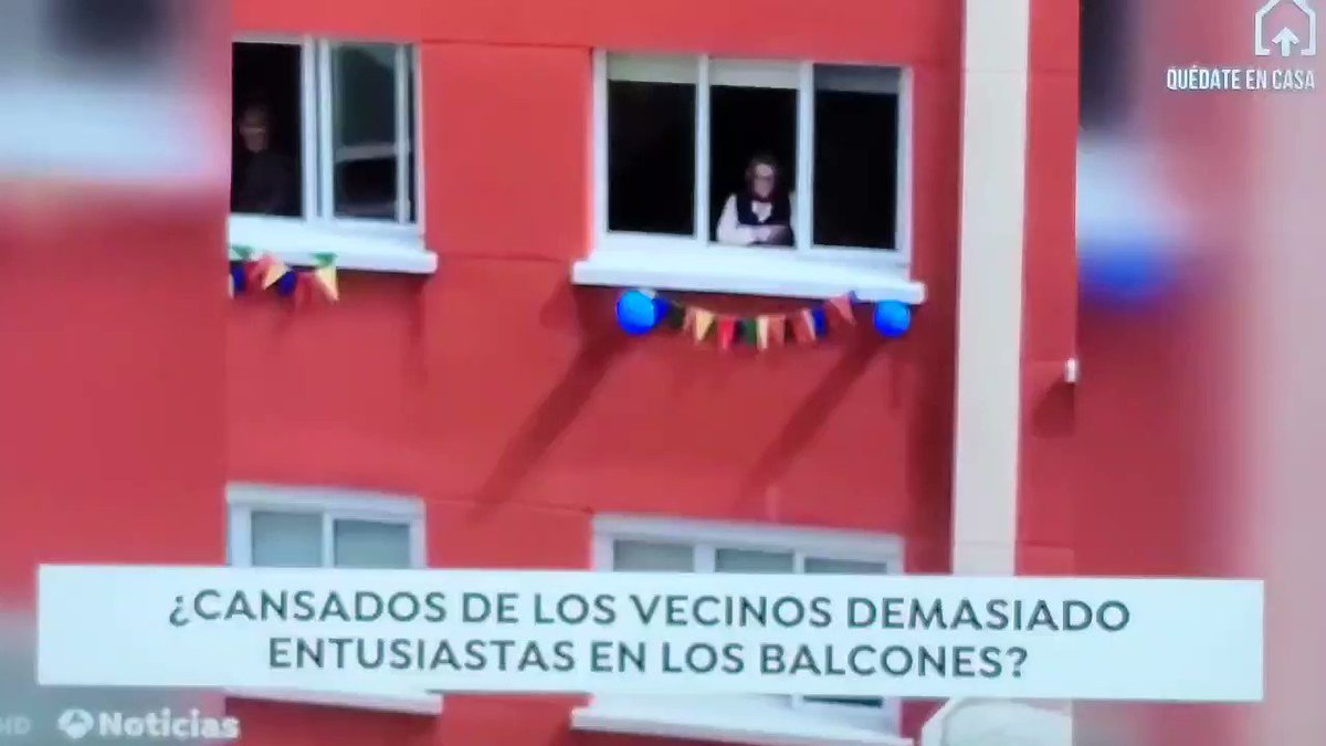News from #Spain . Are people getting tired of the over enthusiastic people on their balconies?  pic.twitter.com/aUeCHvuu0c