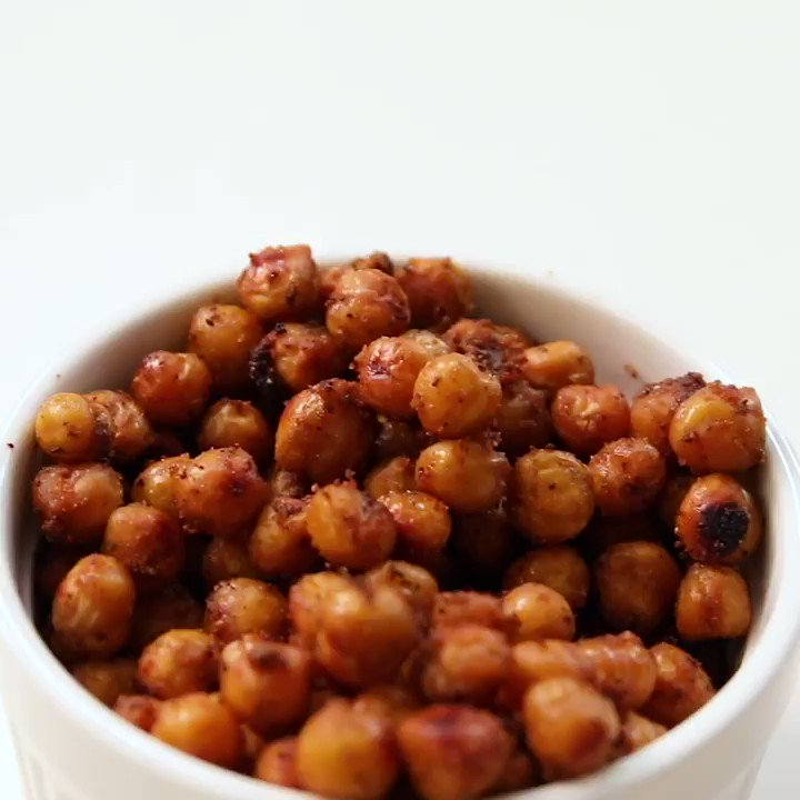 Are you looking for a new crunchy snack to satisfy your cravings? Check out our roasted chickpea recipe. It'll leave you feeling full and energized!