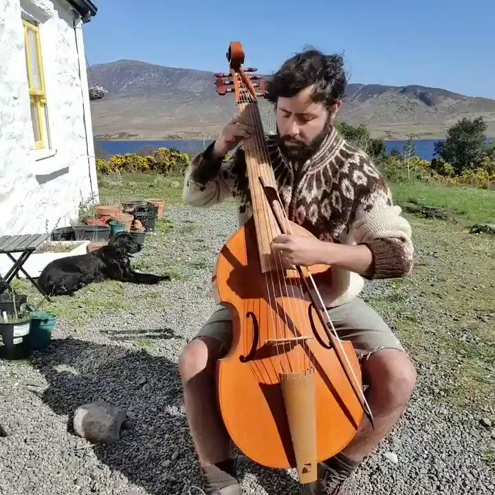 """Viola da Gamba, this is my favourite instrument. It's a bit of a guitar cello cross. It was popular in the Renaissance period and is much older than the cello. This song, """"Loves Farewell"""" is from 1605 Scotland by Tobias Hume https://t.co/5K4vHNZ8g3"""