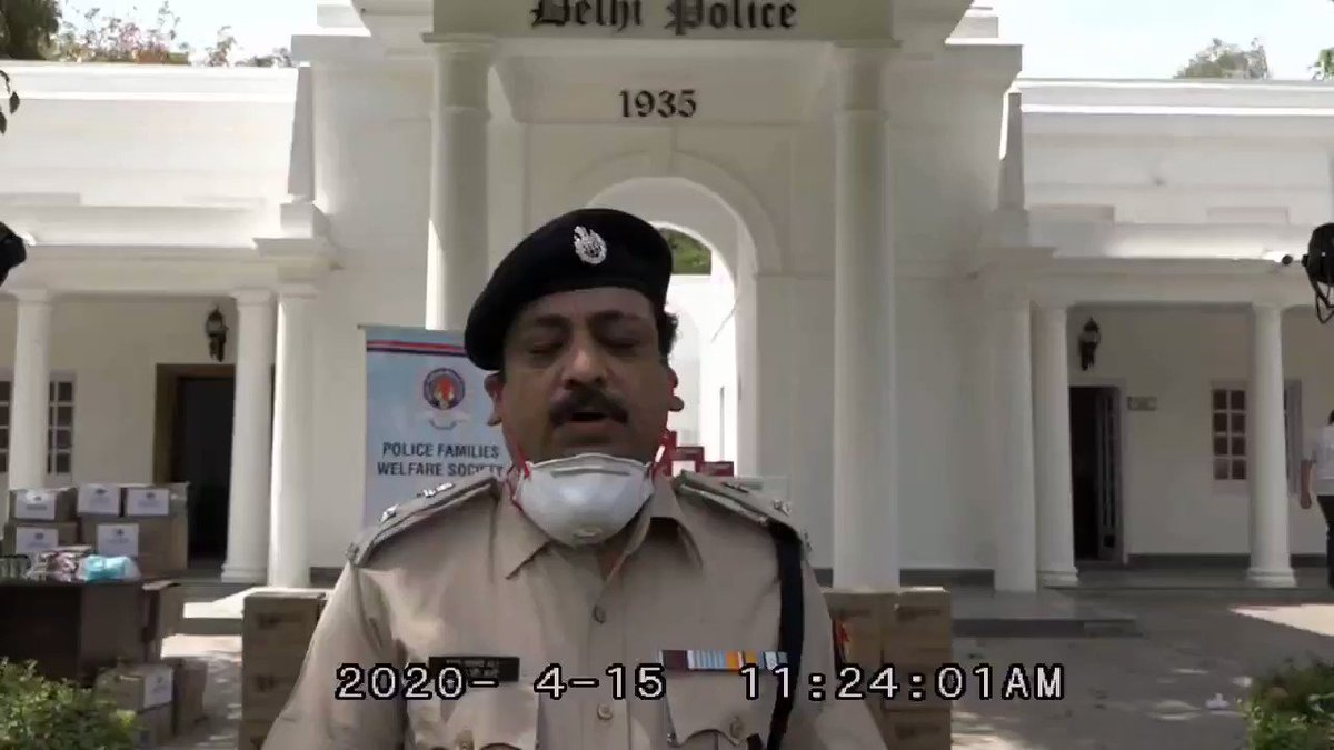 Delhi Police appreciates @NestleIndia's commitment to the police force through its contribution of Nescafe Ready-to-Drink beverages & KITKAT Chunky as a recognition of the efforts of police personnel maintaining public order, protecting people & keeping the nation safe. @pfws1 https://t.co/05Uxon3n4v