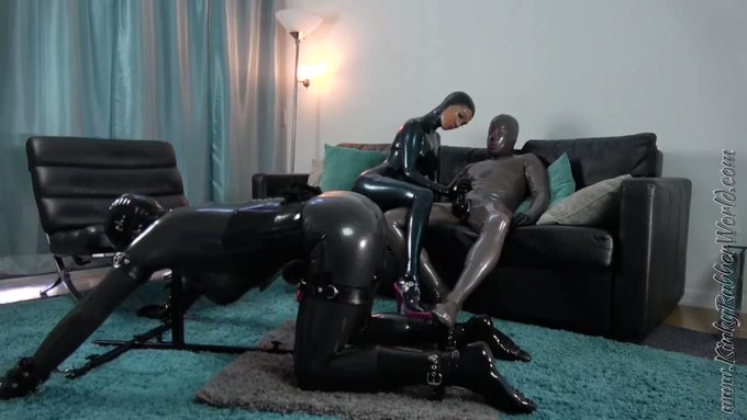 The 18 Minutes #cuckold #rubberdoll video on the #bondage stockade is now https://t.co/QtMxh1MF1z Latex