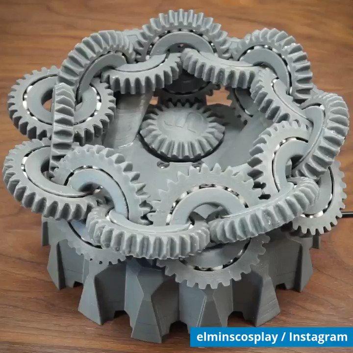 3Dプリンタで作られたメビウスの歯車🌀