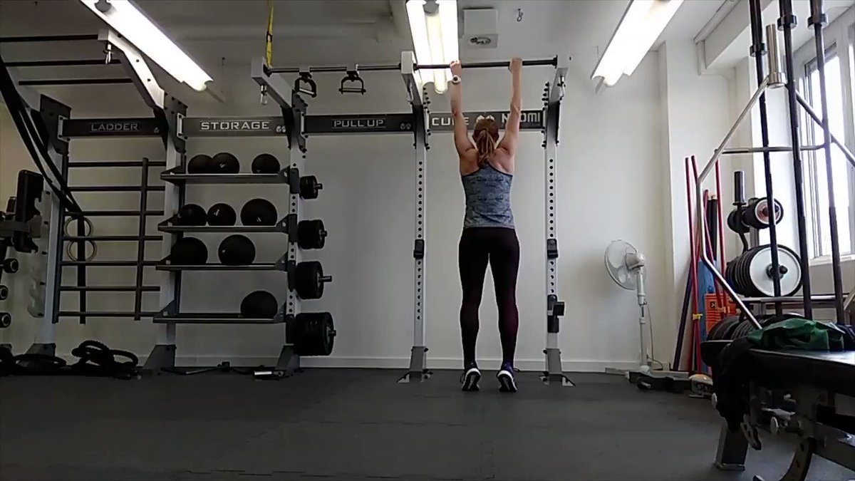 Image for the Tweet beginning: Engage your Shoulderblades!!!! #pullup #physio #climbing