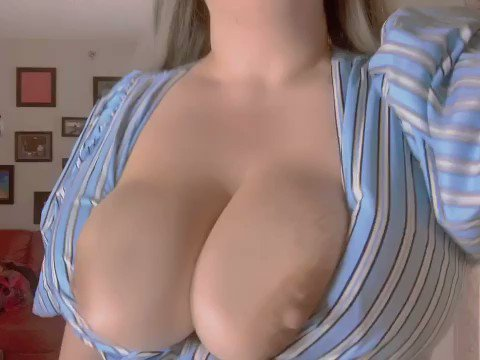 Come watch me oil my tits. Do you like oil videos? 🥵 https://t.co/Deoxd6Yi5r