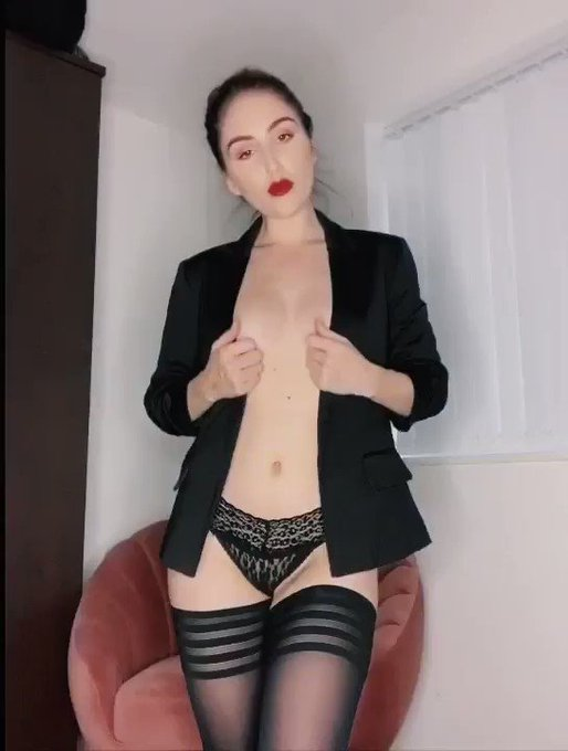 Full video dropping on my #Onlyfans this afternoon 😈  https://t.co/jEOvJ65TMR  #stockingssaturday #stockings