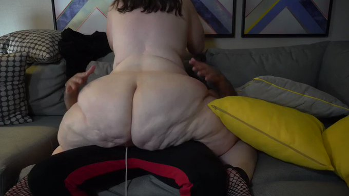 New sale! My vids are lit! Ass worship couch play https://t.co/IVvDE4Yviu #MVSales https://t.co/ydMJ