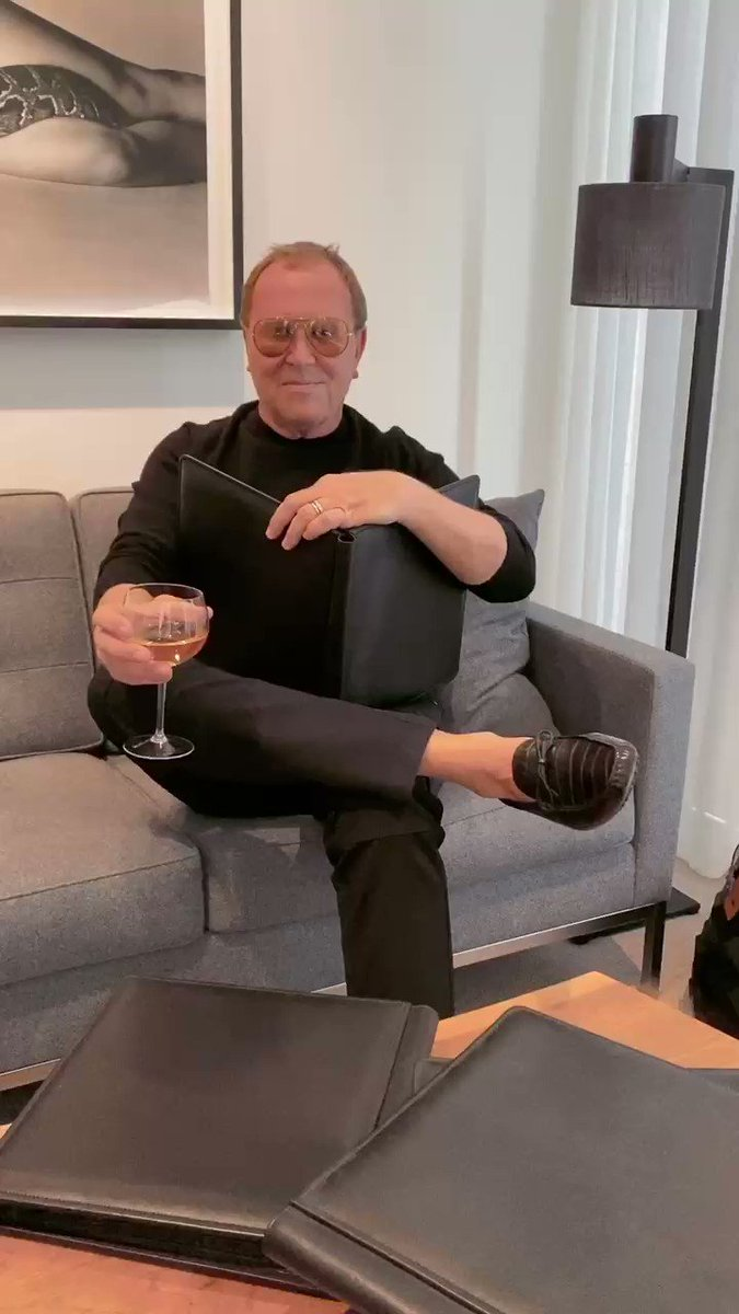 Storytime with Michael: Favorite first at the #MetGala? Couch-dancing and JELL-O shots with @JLo during one of the most magical Mondays of the year. https://t.co/ldmjLhkeMp