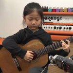 中国で大人気の南京の少女「MIUMIU」のギター弾き語り!天使の歌声!