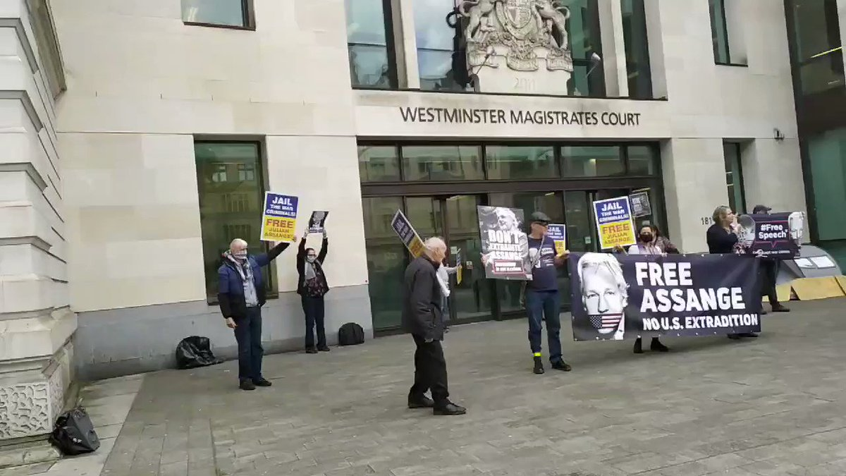 Outside Westminster Mags Crt police refused to say whether its official MSP policy that protest isnt a legitimate reason to be outside the house. But then proceeded to demand people return home < 30 seconds after they started chanting Free, free #JulianAssange #Covid19UK