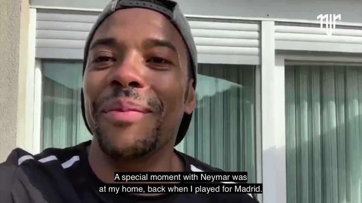 Ídolo do Santos, Robinho relembra histórias ao lado de Neymar Jr e fala qual seu momento especial com o craque.🏆  ➡https://t.co/yFqpAZxPyl  The idol of Santos, the player @robinho remembers stories together with @neymarjr and talks about his special moment with him.🏆  #neymar https://t.co/nuKXZZ7qjp