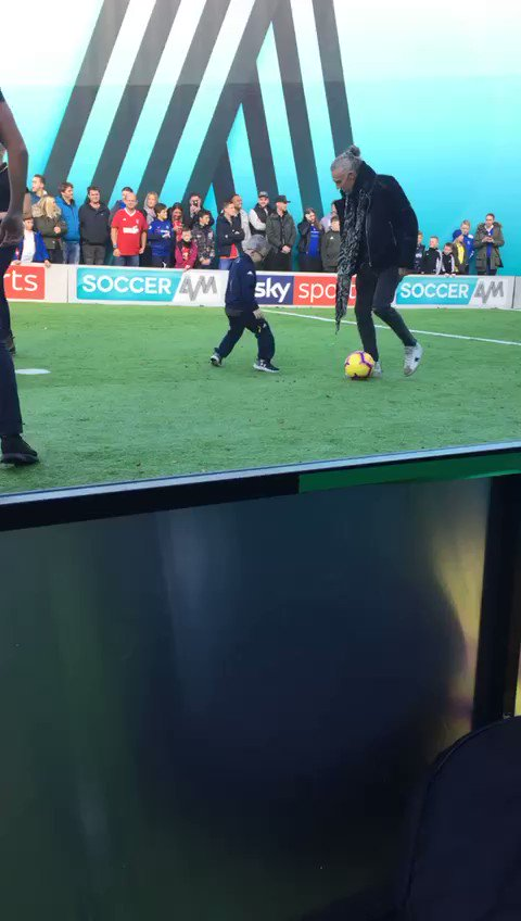 Throw back to the time I brought Freddie to @SoccerAM dressed as Mini Bielsa and he got to play football with @jimmybullard 💙 #Freddiecallaghan #minibielsa #mot #lufc