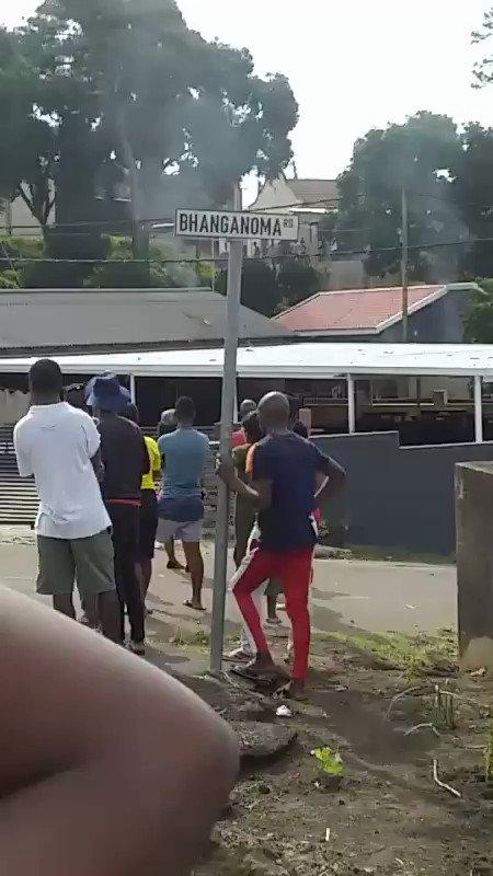 There are burning magagula lounge #RIPBobo