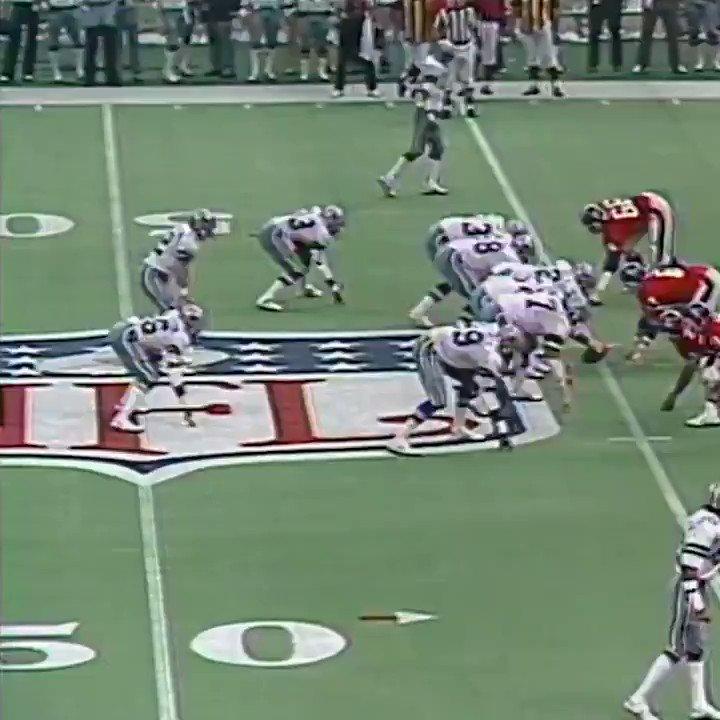 #UnDiaComoHoy en 1978, la Doomsday Defense de los #DallasCowboys superó a la Orange Crush Defense de los #BroncosCountry y los de Landry conquistaron la Superbowl XII. ¡¡Fijarse en esta jugada➡️TD!! 👇 #nfl @NiniaChef  @AnaPolar13  @BroncosSpain