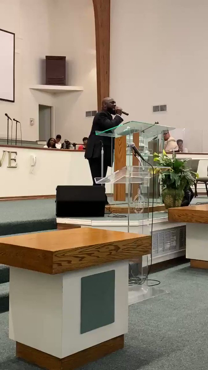 """We are #ENCOURAGED and We are #BELIEVERS that this PANDEMIC is only Temporary! Hear this clip of Pastor Rodney Curry singing """"When I See Jesus"""" #PastorRodneyCurry #collegehill #chmbc #corporateworship #sundaymornings #churchflow #tyler #wednesdayencouragement @clefty1906 https://t.co/QXepnojX6L"""