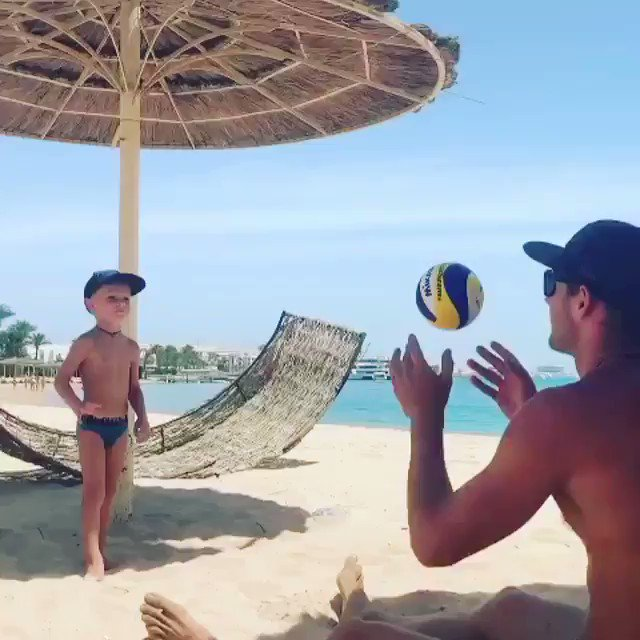 WHEN A 4 YR OLD CAN SET BETTER THAN US .  The 4 year old Emils is the son of professional #beachvolleyball player from Latvia Edgars Tocs.   http://instagram.com/e.tocs  (Coach & proud dad)pic.twitter.com/WOvhMPpYgA