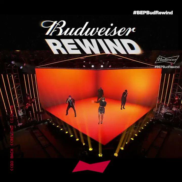 Estamos en vivo con Black Eyed Peas!🚨😎 @bep destapa las Budweider frías y revive los mejores momentos de la carrera de estas LEYENDAS.  https://t.co/Kuq9olmCUf🍻💥 https://t.co/xPqv3PQrJ9