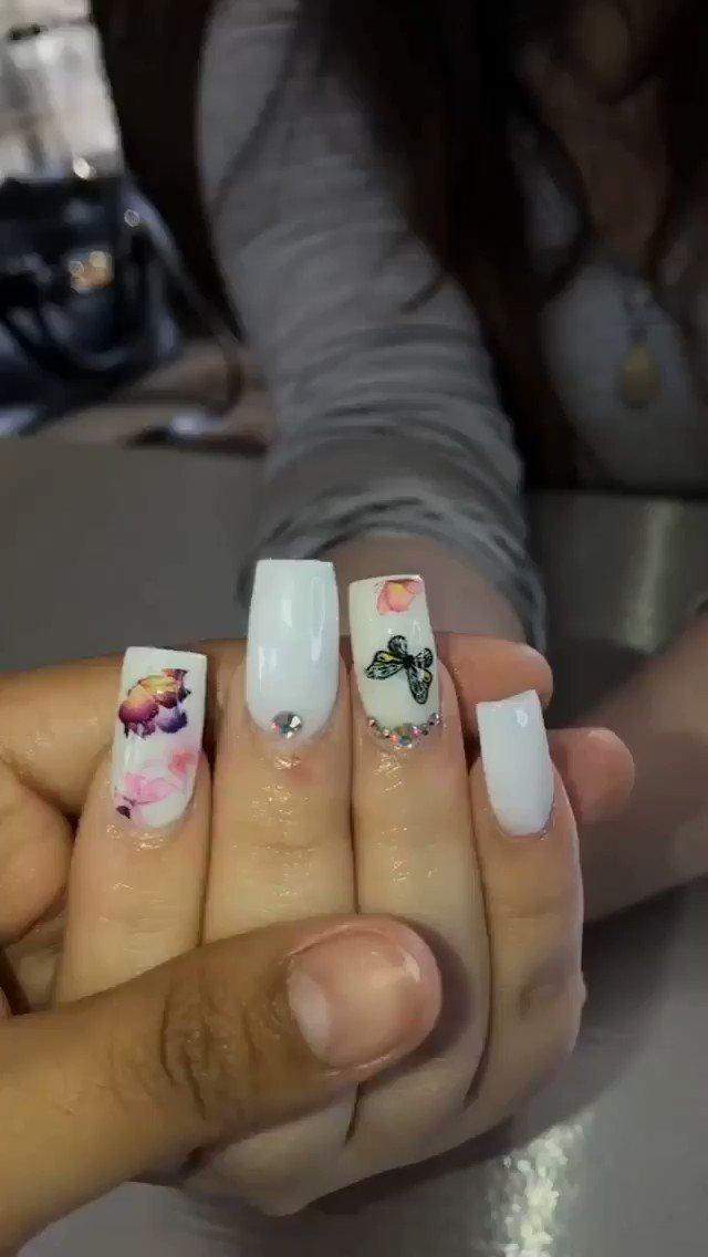 White Squared Nails  #nails #nailsofinstagram #shortnails #whitenails #loveee #bookapptpic.twitter.com/6zMgn4hvFi