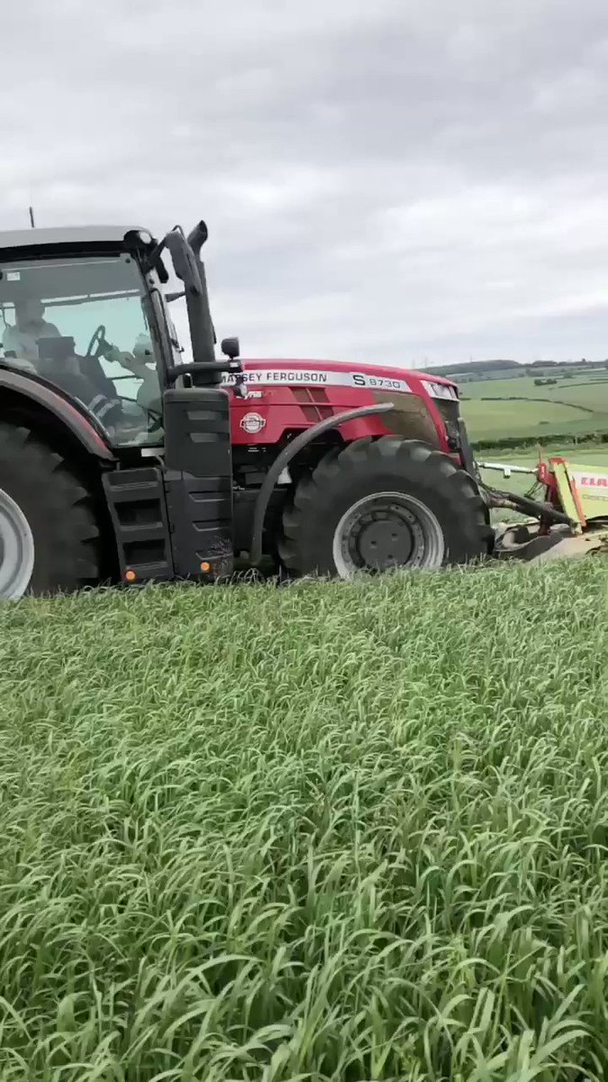 1st cut is on the way! #silage2020 #slowmotion pic.twitter.com/Ru1CAOBT4n