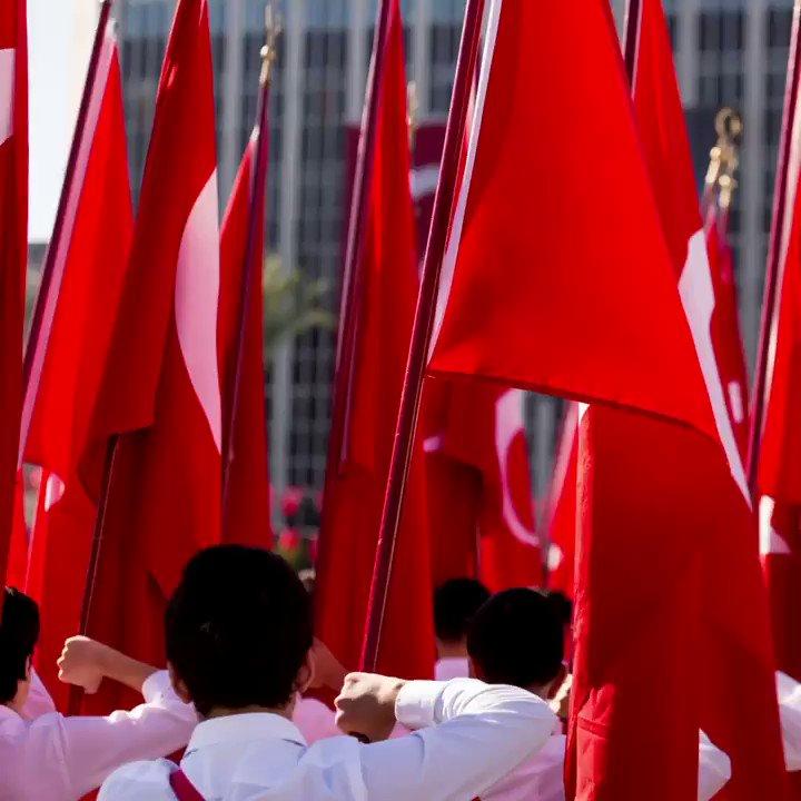 Fikirleriyle yolumuzu aydınlatan Mustafa Kemal Atatürk'ü her an anıyoruz. 19 Mayıs Atatürk'ü Anma Gençlik ve Spor Bayramımız kutlu olsun.  #19MAYIS #saatvesaat https://t.co/5HTV7R6gJB