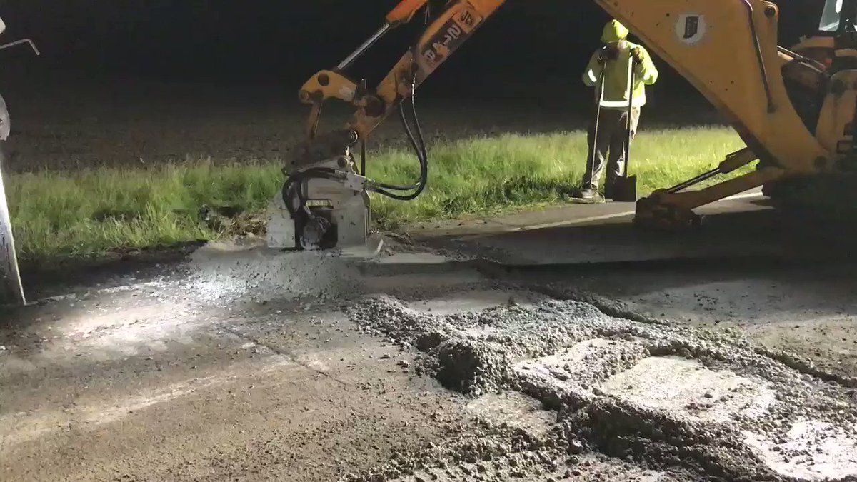 Overnight our INDOT Maintenance crews were busy replacing pipes on US 421 in Boone County between SR 47 and SR 32.