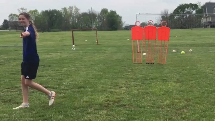 Free kick practice with Meren! Tuesday Touches! : @krislpatton  • #football #soccer #Training #Futbol #practice #practicemakesperfectpic.twitter.com/P1m6iYP0QP