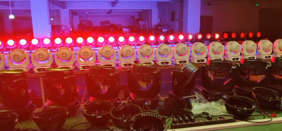 19*12W LED MOVING HEAD (4IN1) Whatsapp/Wechat:+8613826404229 #eventos #events #prosoundsandlights #movinghead #sonidos #sonido #barpic.twitter.com/FWWlF52c0q