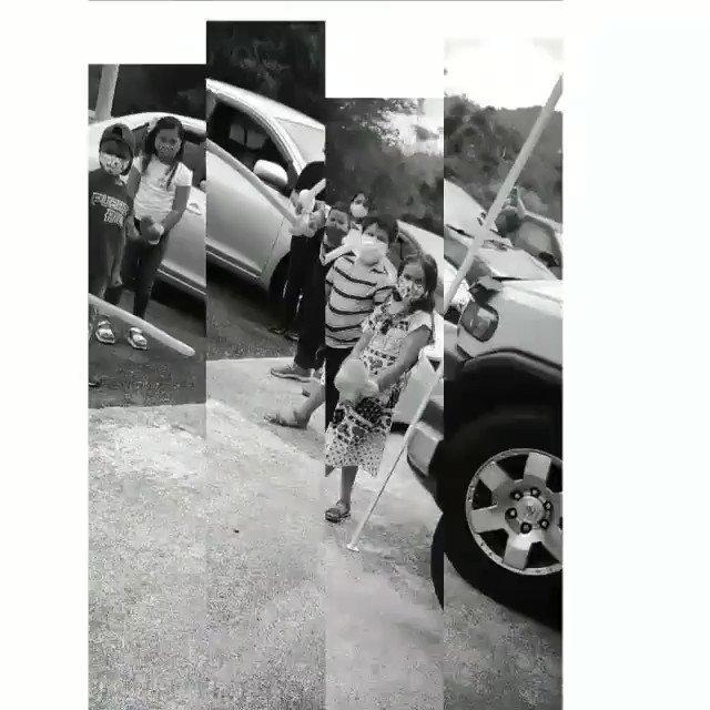 Dia del estudiante escuela de exelencia quebrada grande en naguabo. Tercer grado Sra. Garcia actividad a sus niños servi-carro payaso y foto con diploma. Priceless @AdaMariePlaza @monikmc @Departamentoedu @TelenoticiasPR @peq812
