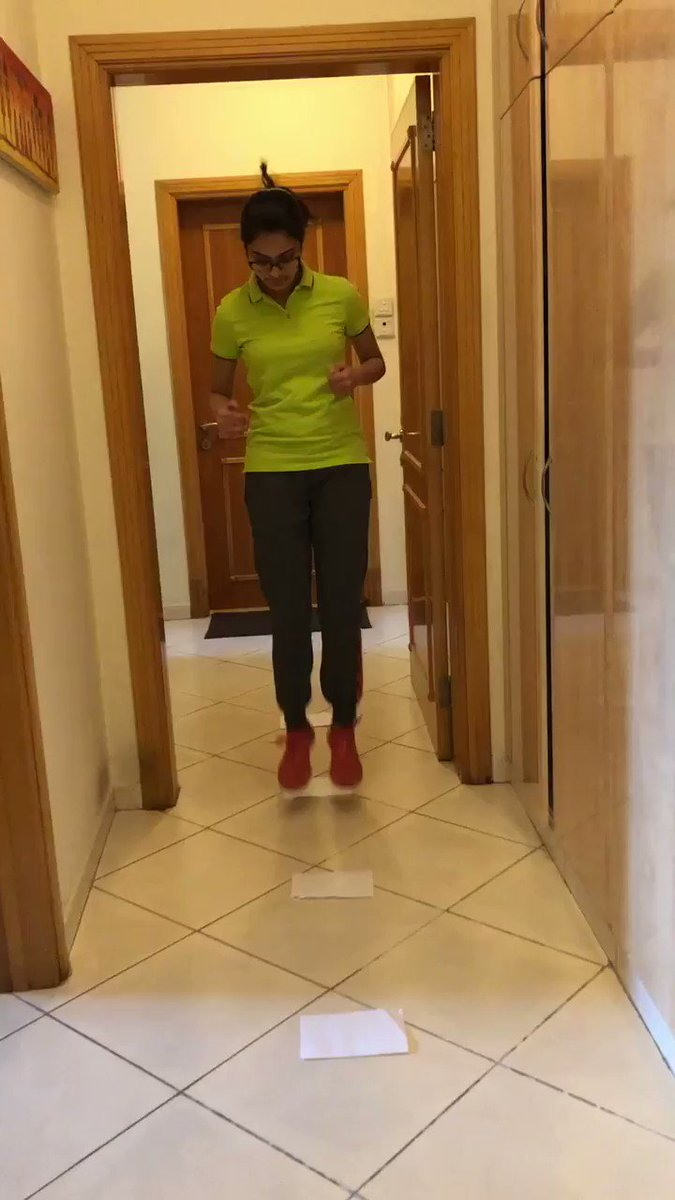 #PhysicalEducation classes ... Keeping fit while at home! #fitnesspic.twitter.com/voQs2zgwdj