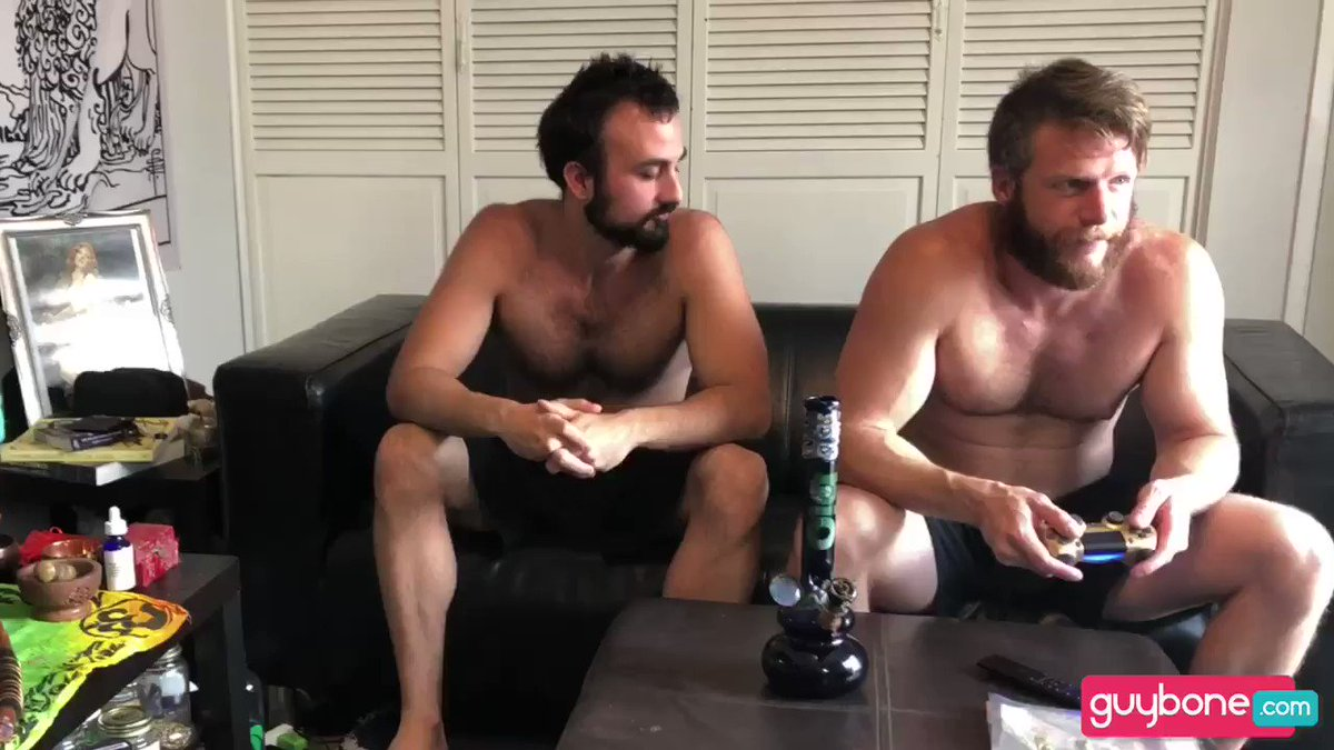 EXCLUSIVE LOOK #1 👀@BrianBondsxxx & @MrMasonLear Flip #RAW 2 ✪ guybone.com/video.php?vide… ✪ Weed, video games and HOT flip-fucking from these scruffy #bareback buds! All Streaming Subscriptions 50% Off All of May! #QuarantineLife #GaySex #Hardcore