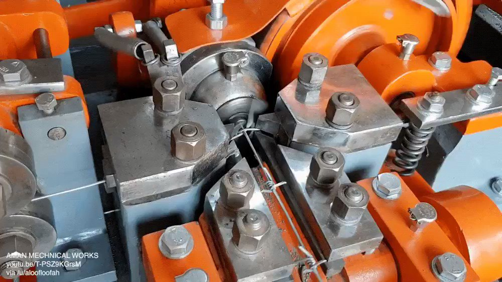 Wire making machine #engineering   pic.twitter.com/1eH3sdWP3F